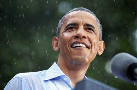 """奥巴马演讲时遭遇暴雨淋湿订做衬衫成""""落汤鸡"""""""